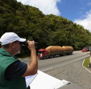Carga perigosa na Serra Dona Francisca